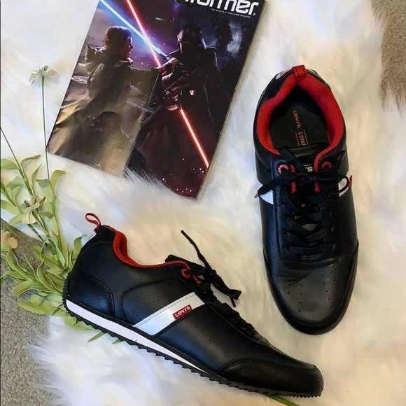 🌺Levi's Black and red men's sneakers size 12